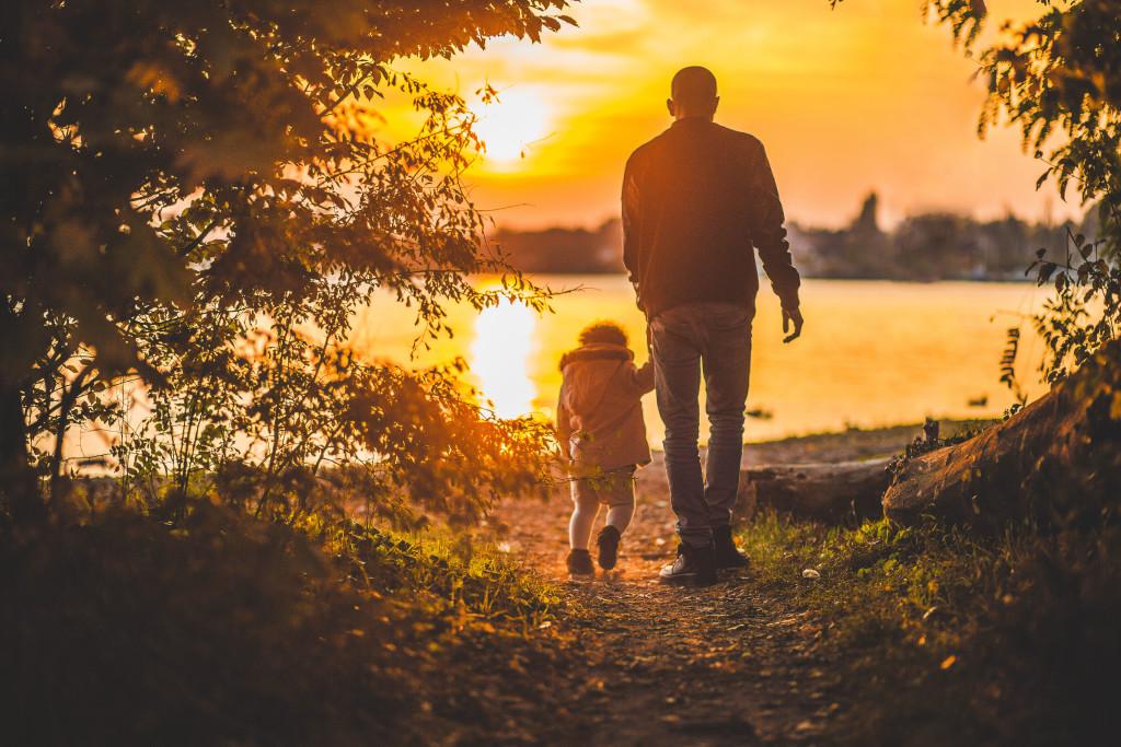 stocksnap jason owens father daughter self employed dad